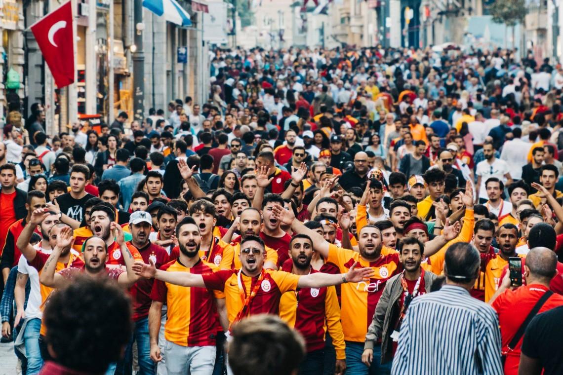 Ali Efe Yılmaz - Beyoğlu